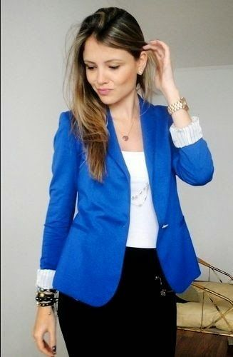Outfits con color azul rey
