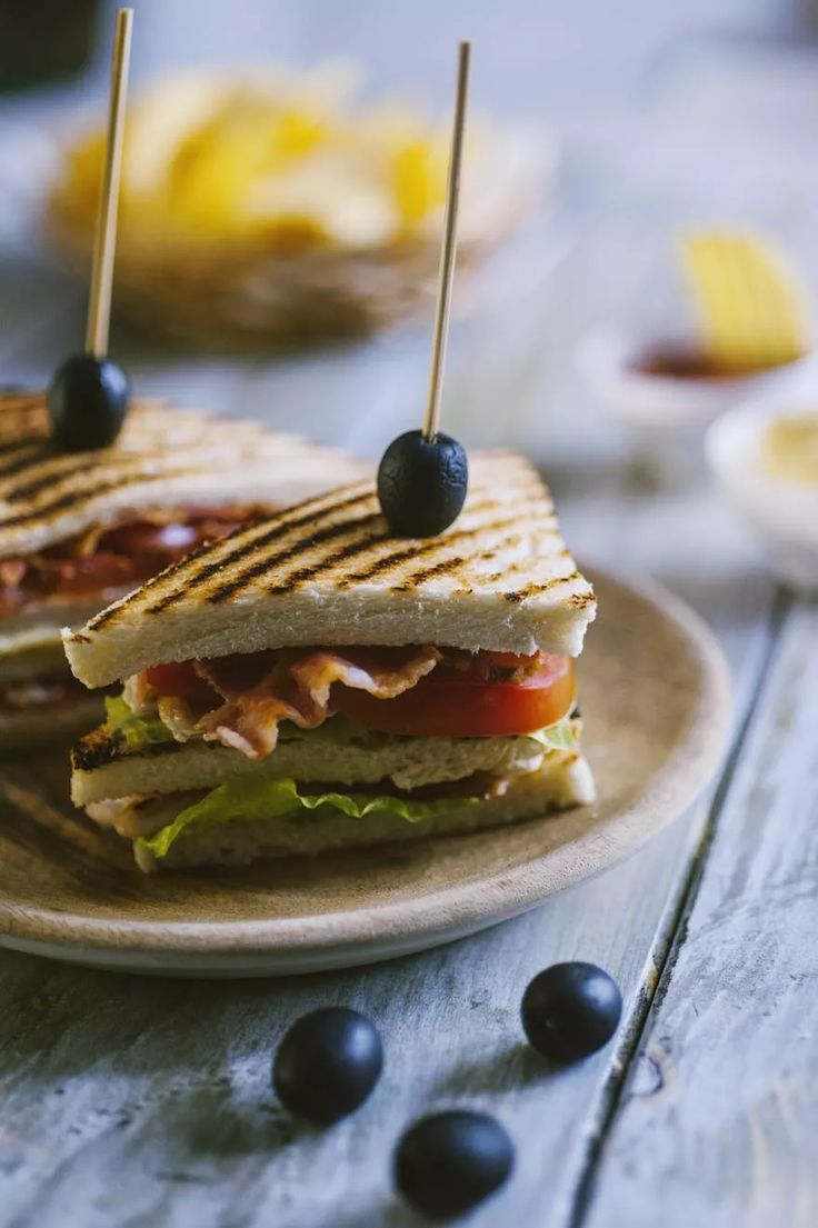 Clubhouse sandwich, servito a tramezzini da condividere come da tradizione