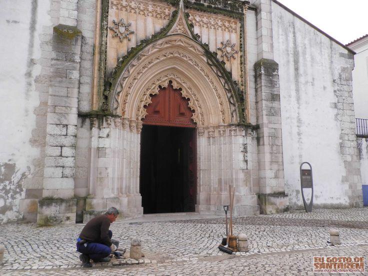Reparação da calçada junto da Igreja de Santa Maria da Graça, Outubro de 2014