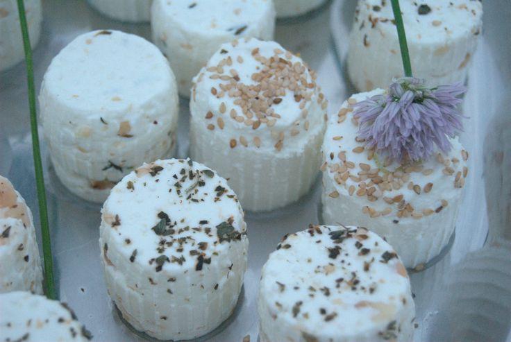 Ricottine sul Buffet - Wedding Buffet...ricotta cheese #ricotta #cheese #masseriacordadilana #wedding #buffet #matrimonio #puglia #salento