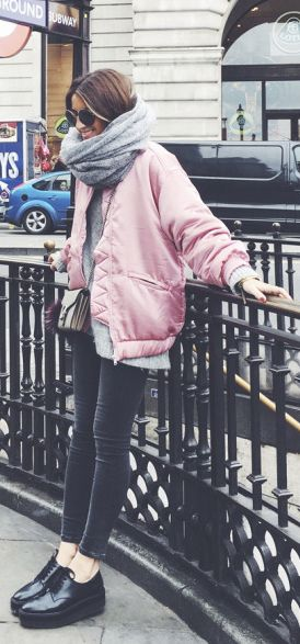 Monochrome outfit + pastel pink bomber jacket + Silvia Garcia. Bomber/Shoes: Mango, Sweater/Jeans: H&M, Bag: Gucci, Scarf: Asos.