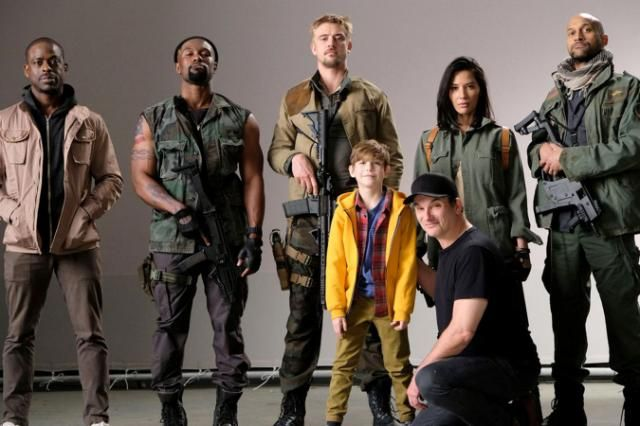 'The Predator': First look at cast of Shane Black's monster reboot