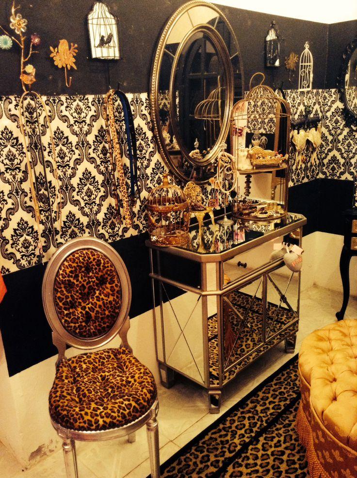 25  best ideas about Leopard Room on Pinterest   Cheetah print rooms   Cheetah room decor and Cheetah bedroom decor. 25  best ideas about Leopard Room on Pinterest   Cheetah print
