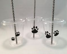 These 12oz plastic cups with lids and straws are perfect for a paw print party, dog party, cat party or animal party. The lids are great with