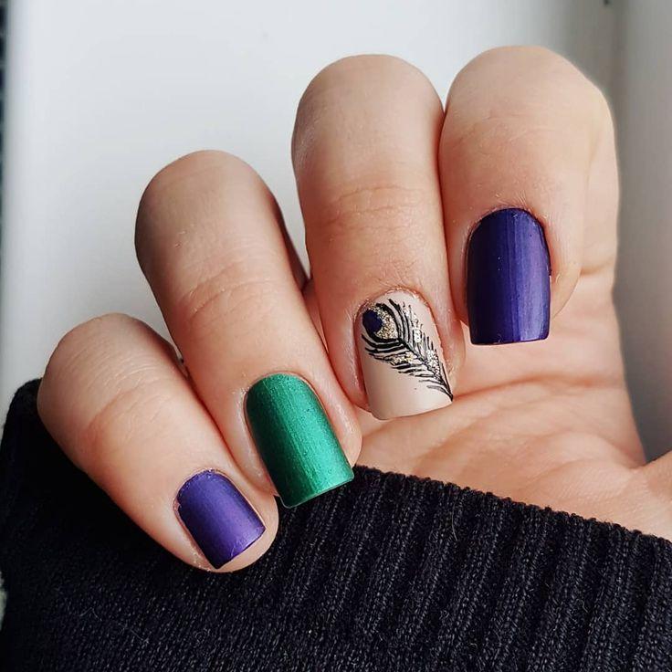 Domi Králiková (@domi_nailart) Peacock🖤💅 #peacock #peacocknails #peacockfeather #feather #casualnails #greennails #purplenails #nailart #nailpainting #nailartist #nailartideas #nailart #nails #naildesign #avon #follow #follownails