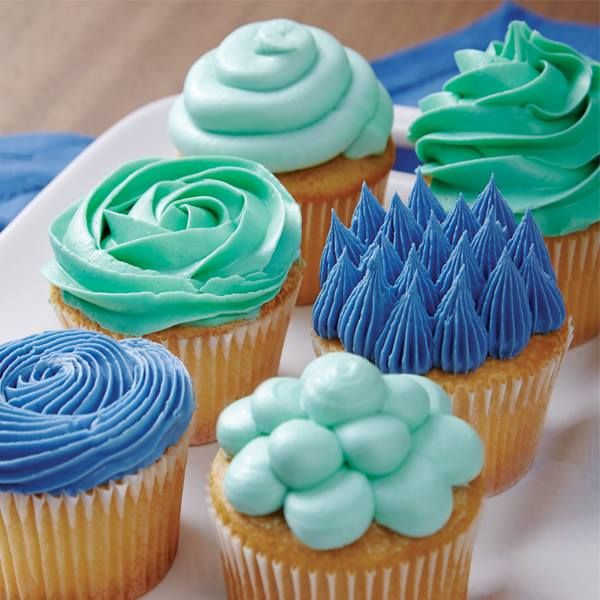 Cupcake Decorating Ideas Blue : 152 best The Wilton Method images on Pinterest Wilton ...