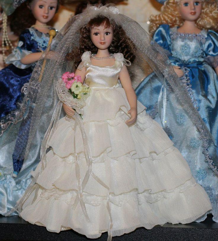 Фарфоровые куклы коллекционные и миниатюра 1:12