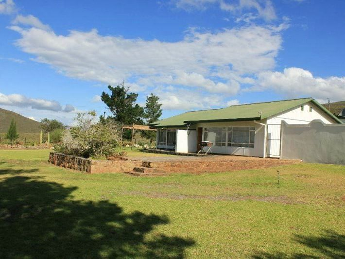 Gemsbok House - Gemsbok House is a relaxing choice for a family or a smaller group who like to spend time in nature.  It is centrally located in the Drie Kuilen Private Nature Reserve, with complete self-catering facilities.  The ... #weekendgetaways #touwsriver #southafrica