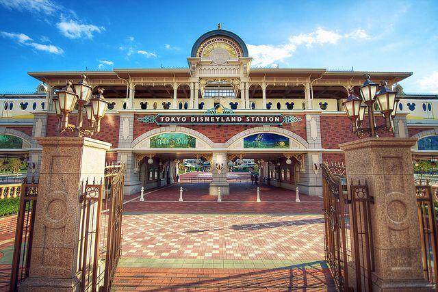 Day 7 - Tokyo Disneyland Taman fantasi dengan berbagai wahana yang seru dan beberapa tokoh disney terdapat disini. #AviaPromo #Holiday #Travelling
