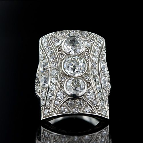 Art Deco Diamond Ring, ca. 1920's.