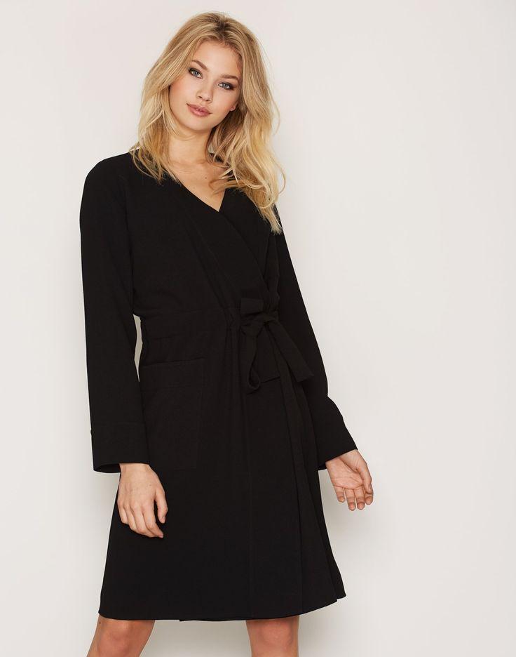 Nelly.com: Wrap Dress - Hope - kvinde - Black. Nyheder hver dag. Over 800 varemærker. Uendelig variation.
