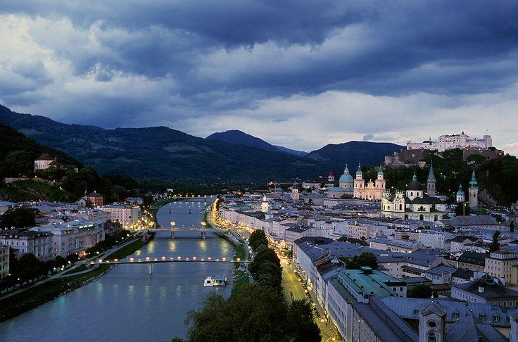 Nuestras listas de hoy tienen que hacer referencia a Austria puesto que Vega está en la bonita Salzburgo...¡¡No os la perdáis!!