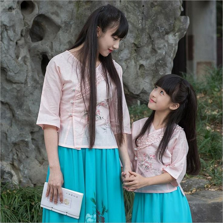 43.95$  Watch now - http://aliq2p.worldwells.pw/go.php?t=32751732258 - New Family Matching mother daughter  Chinese style clothes  summer short-sleeve peafowl flower dancing girl Tee shirt 43.95$