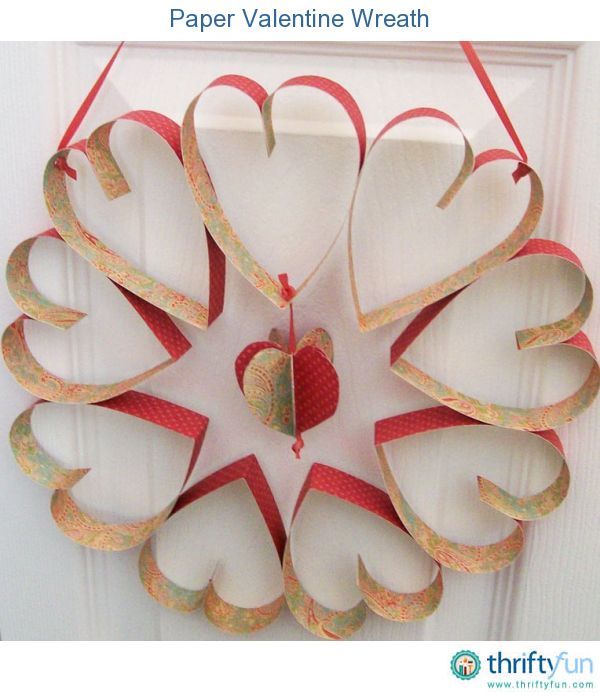 Make a Valentine wreath from scrapbook paper.: Creative Holidays, Valentines Ideas, Toilets Paper Rolls, Valentines Wreaths, Valentines Day, Scrapbook Paper, Holidays Decor, Paper Valentines, Heart Wreath