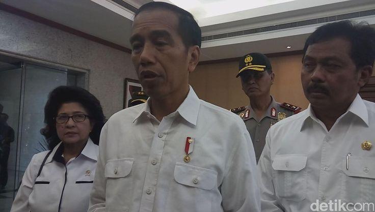 Beritaragam.com - Aksi terorisme terjadi di London, Inggris, Rabu (22/3) kemarin dan menewaskan 4 orang korban. Presiden Jokowi berduka atas kejadian tersebut, meski tak ada WNI yang menjadi korban jiwa.   #Aksi #indonesia #Jokowi #london #terorisme