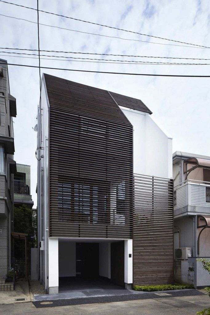 Maximizing Space Through Original Layout: IS House in Japan