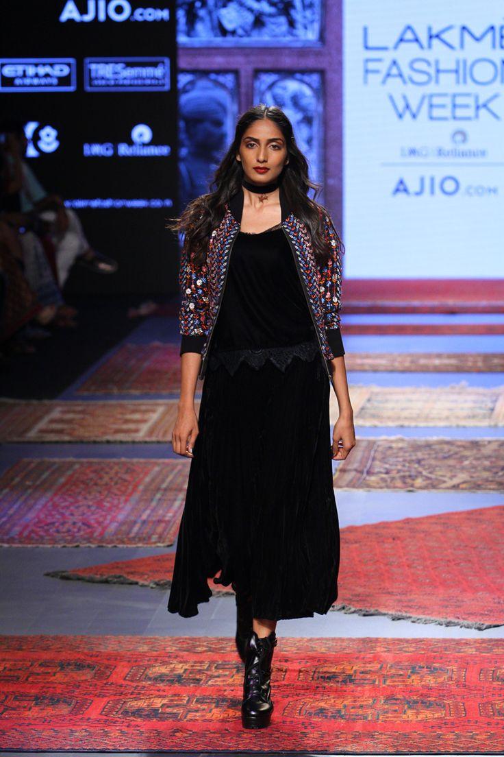 Label Ritu Kumar at Lakmé Fashion Week Summer/Resort 2017