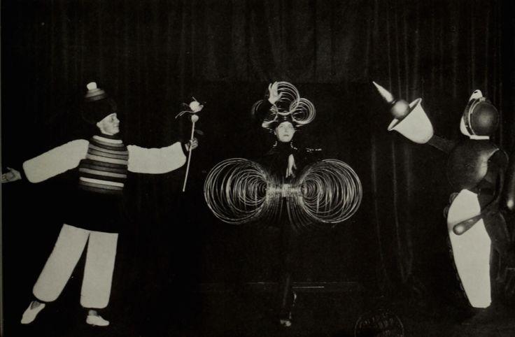 theaterofbauhaus00schl_0101-copy.jpg (2751×1802)