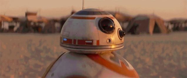 Holy Cow, This International Star Wars: The Force AwakensTrailer Has Tons Of New Footage