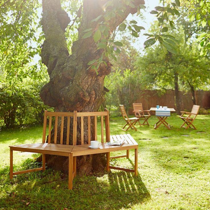 Sedět v přírodě, dívat se do zeleně - to nikdy nevyjde z módy. Stejně tak se nadčasově představuje velmi kvalitní klasický zahradní nábytek