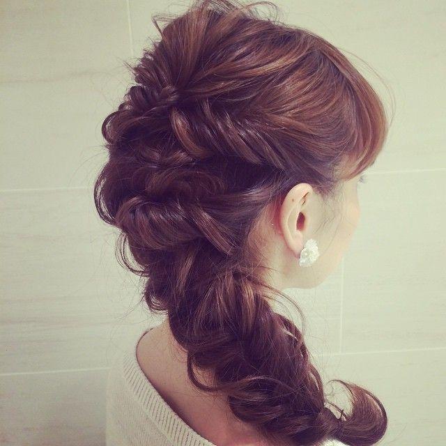 花嫁さんから大人気♡ウェディングドレスに合わせたい、憧れラプンツェルの髪型カタログ*にて紹介している画像