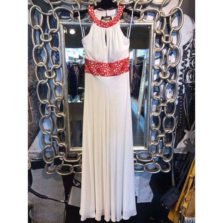 #Maxi_βραδινό_φόρεμα για εντυπωσιακές εμφανίσεις.Θα το βρείτε Ρήγα Φεραίου 117 Πάτρα