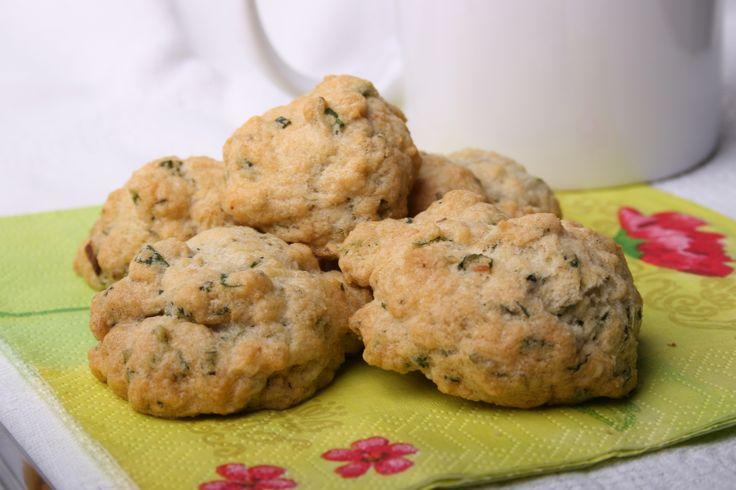 Cookies s bylinkami a česnekem