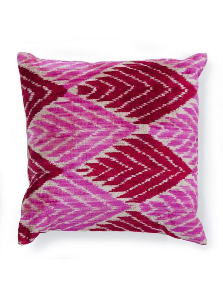 Decorative Bed Pillows Pinterest : 185 best Apartment Refresh Ideas images on Pinterest Decorative bed pillows, Decorative ...