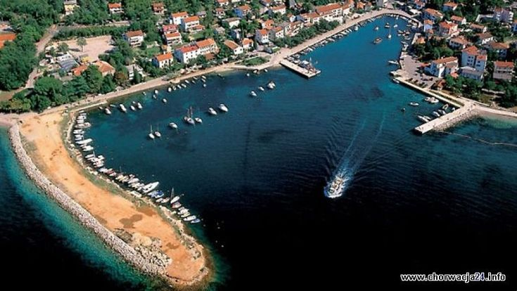Miasteczko Malinska - typowo wypoczynkowa miejscowość w zatoce Kvarner w Chorwacji. http://www.chorwacja24.info/kvarner/malinska #malinska #chorwacja #croatia #kvarner