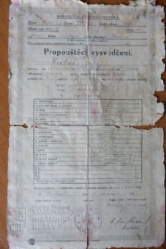 Discharge certificate of Jan Kubiš. found in his home during restoration.