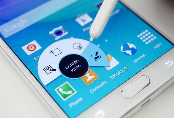 Samsung includes built-in an awesome tiny feature to the software that allows you to take scrolling screenshot on Galaxy Note 5. Here the guide