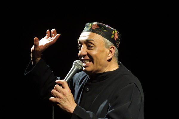 Intervista a Beppe Barra prima del suo concerto al Teatro Trianon di Napoli - 16/10/2004