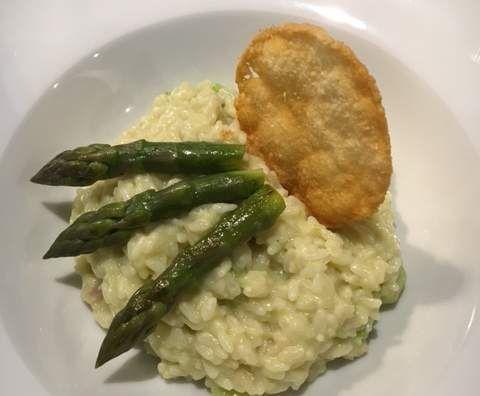 Recette Risotto aux asperges vertes et sa crème d'asperge par celinemgti - recette de la catégorie Plat principal - divers