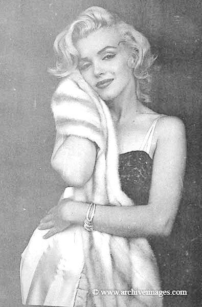 Milton Greene, Marilyn Monroe, evening dress sitting