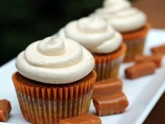 pumpkin cupcakes with salted caramel buttercream frosting