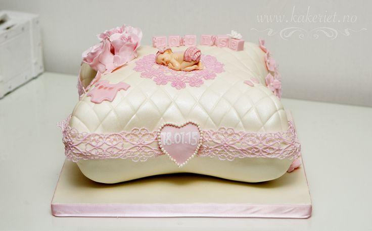 Pillow christening cake with lace. Dåpskake pute,rosa spiselig blonde.