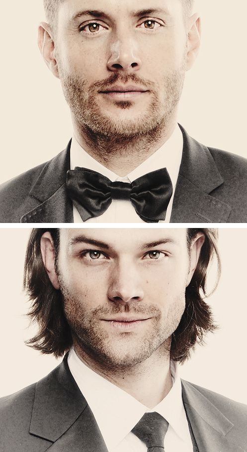Jensen Ackles & Jared Padalecki <3 <-----I don't even hardly recognize Jensen!!!! I think it's the stubble and the weird lighting.