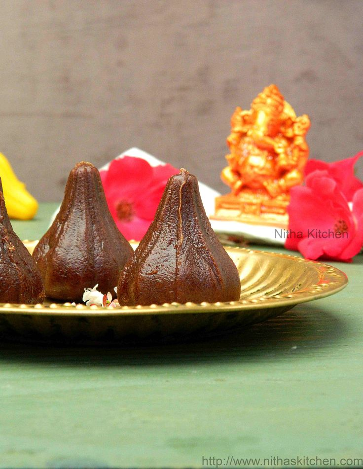 Healthy Ragi/Finger Millet and Jaggery based Modaks/Mothagam without filling/stuffing, easy to make Ganesh Chaturthi Specia Recipel!!!