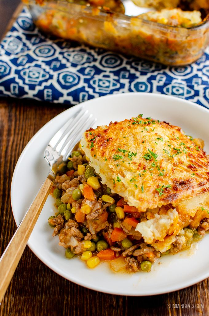 Low Syn Classic Shepherd S Pie Delicious Ground Lamb And Vegetables In A Gravy Sauce Topped With Golden Creamy Ma Shepherds Pie Food