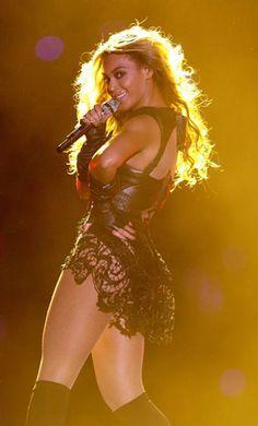 Beyonce Stuns in Rubin Singer at Super Bowl XLVII