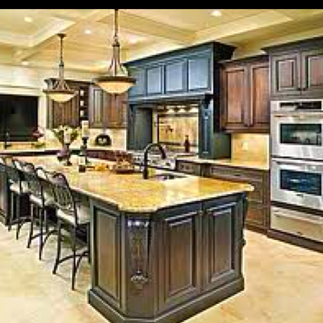21 best images about houses on pinterest bedroom floor for Ranch style kitchen cabinets