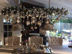Kerst tak boven de eettafel, nog mooier als vorig jaar ieder jaar beetje anders Erg leuk om te doen