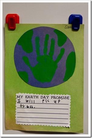 De leerlingen schrijven neer wat ze gaan doen om zich in te zetten voor een project.