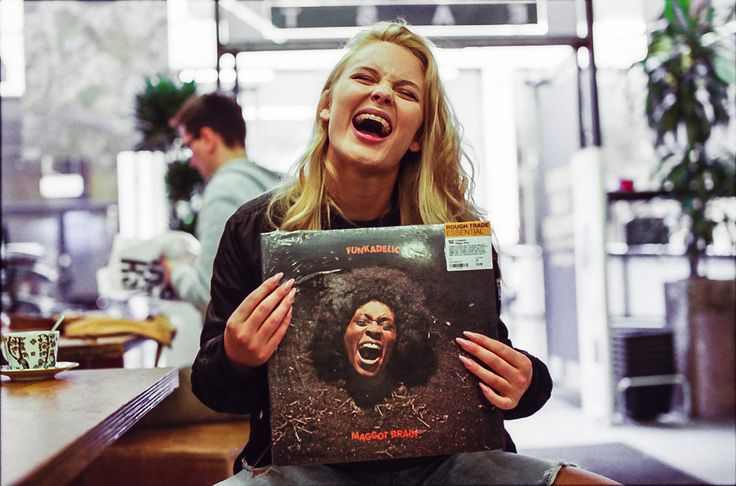 Record Shopping With.. Zara Larsson