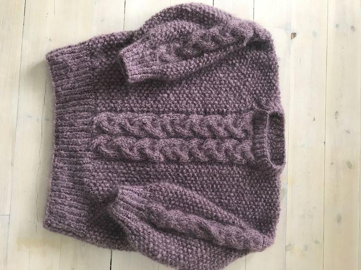Tone-genseren fra Line Langmo. Strikket i Påfugl-garn