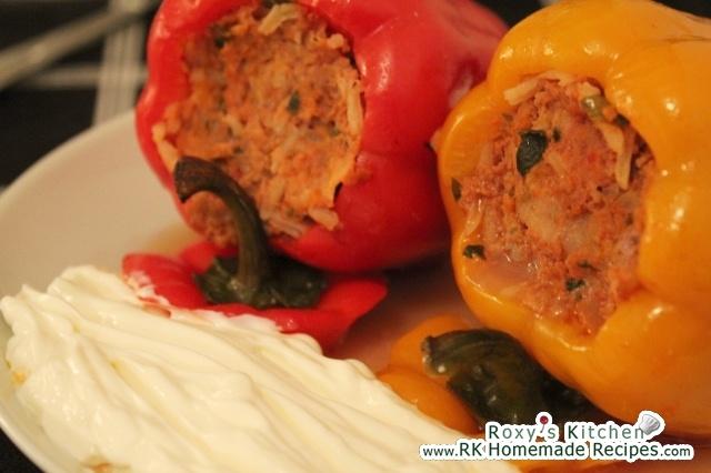 Romanian stuffed peppers - in English (ardei umpluti)