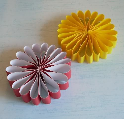 17 best images about paper crafts non decoupage on for Simple paper flower craft