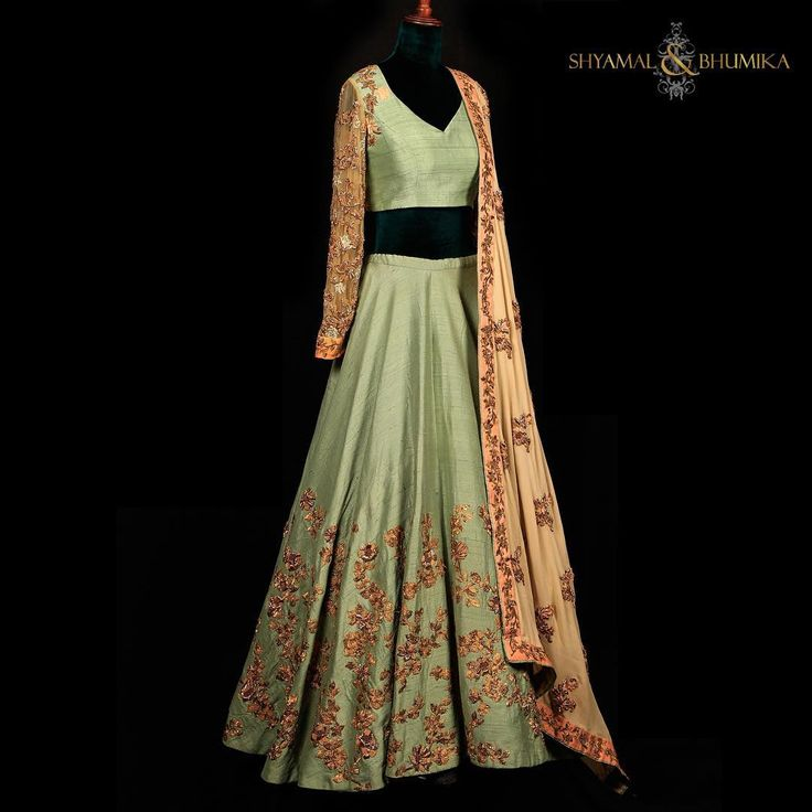 To inquire about this beautiful outfit kindly email sales@shyamalbhumika.com or whatsapp , text or call +91-9833520520 www.shyamalbhumika.com