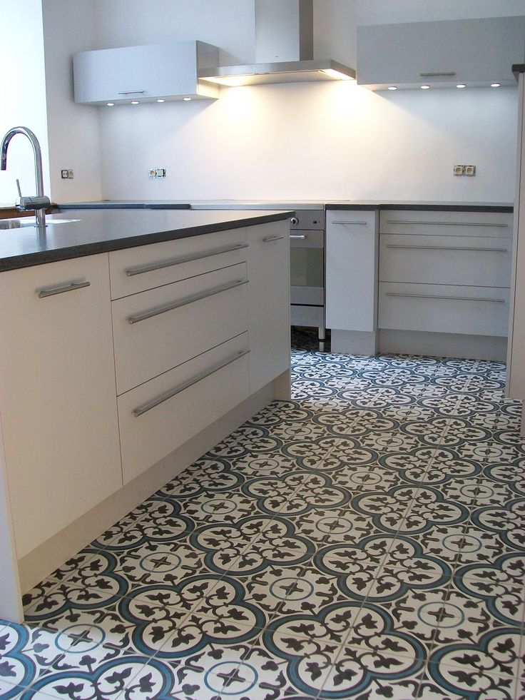 Design kitchen vs Encaustic tiles, it works!!