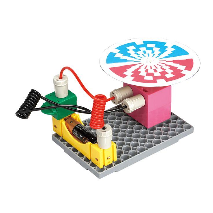 Με το πακέτο Gigo Electricity Discovery τα παιδιά κατανοούν τις βασικές αρχές της ηλεκτρικής ενέργειας. Μέσα από τα 10 πειράματα που περιλαμβάνονται θα δημιουργήσουν παράλληλες συνδέσεις, κυκλώματα φωτός και θα τροφοδοτήσουν έναν κινητήρα.